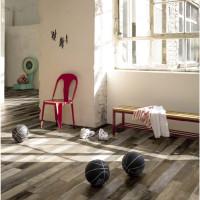 Vinylová podlaha v telocvični, značka Parador